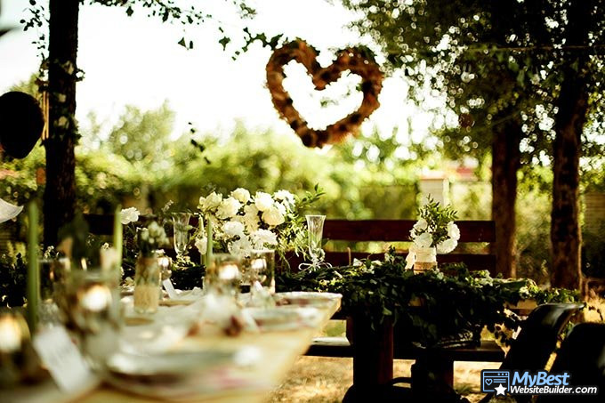 O melhor criador de site de casamento: uma mesa num casamento.